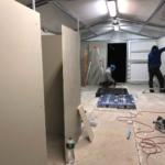 Rescuebygge - Arbetet med innerväggarna är påbörjat